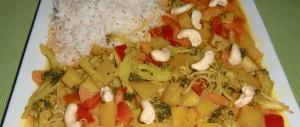 Mango-Curry mit Gemüse und Cashewkernen