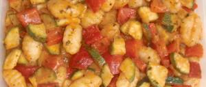 Gnocchi-Salat mit Paprika und Zucchini