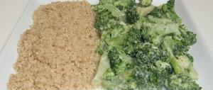 Quinoa mit Brokkoli in Mandelsahne