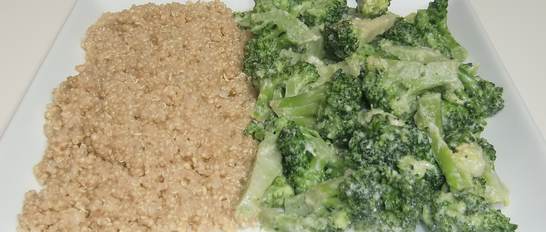 veganes gedankenfutter quinoa mit brokkoli in mandelsahne. Black Bedroom Furniture Sets. Home Design Ideas