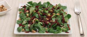 Feldsalat mit Rote Bete und Walnüssen