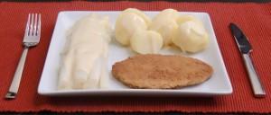 Weißer Spargel mit Hollandaise, Salzkartoffeln und Schnitzel