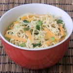 Scharfe Mie-Nudel-Suppe