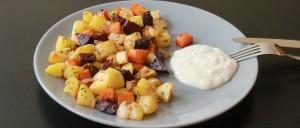 Winterliches Ofengemüse mit Sour-Cream-Dip