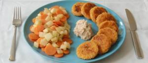 Hirsebratlinge mit Fenchel-Karotten-Gemüse und Bohnen-Dip