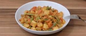 Kartoffel-Bohnen-Topf mit Sojahack und Paprika
